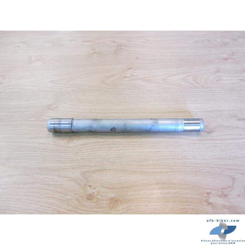 Axe de bras oscillant arrière de BMW f 800 st / s / gt (séries k71) / f 800r (série k73)