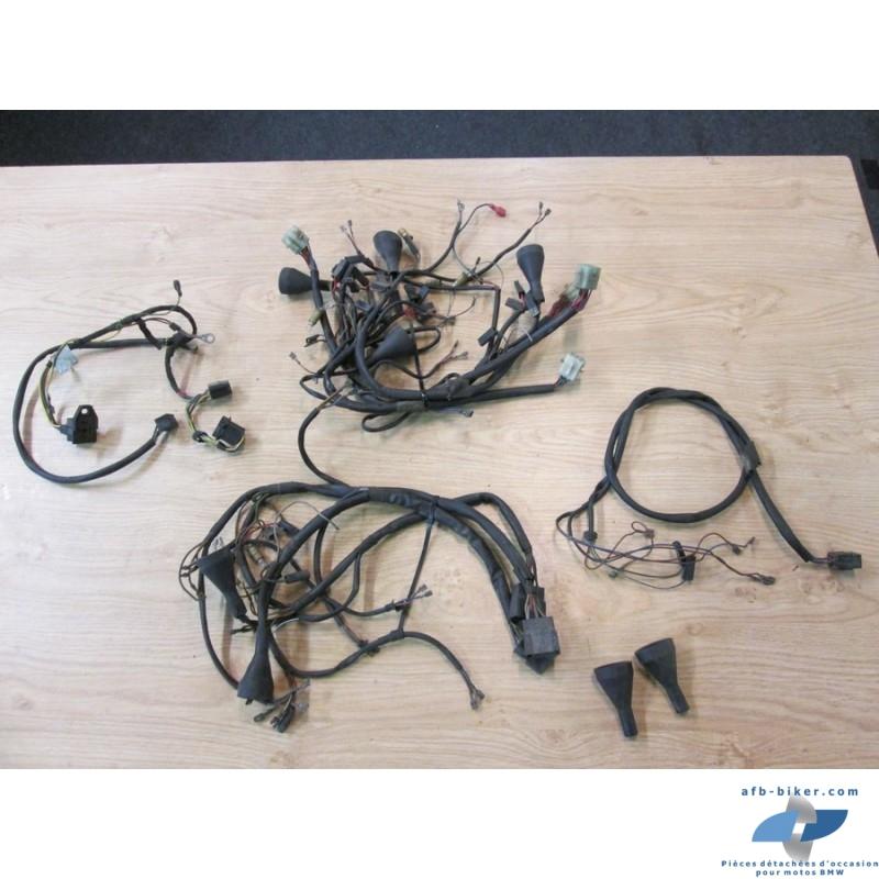 Petite faisceaux électrique de séries 5/6/7 dans l'état, vendus en un lot, pas référencés, pas de reprises.