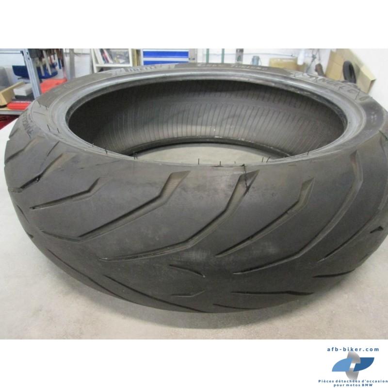 Pneu arrière Pirelli grand tourismo en 190 / 50 ZR 17