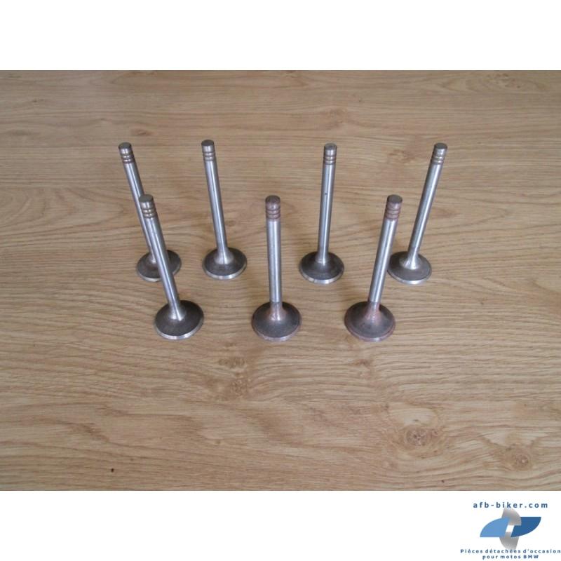 Soupapes neuves diamètre: 34 mm    longueur: 103 mm / Diamètre de queue de soupapes: en 8 mm.