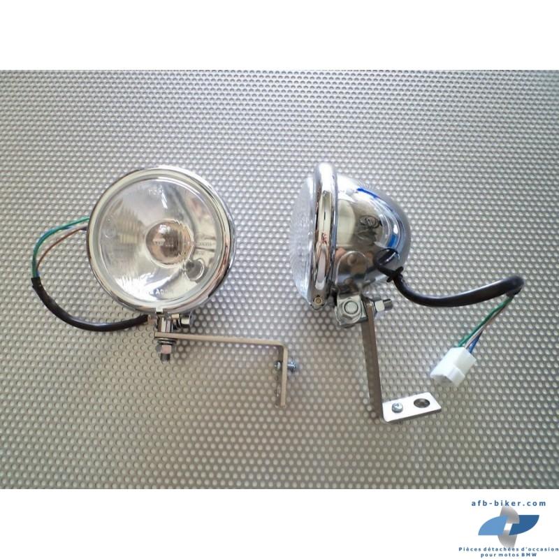 Les phares sont vendus complet avec ampoules et veilleuses intègres.