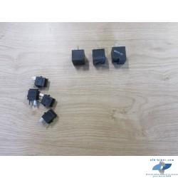 4 minis relais noires + 2 relais noirs et 1 relais...