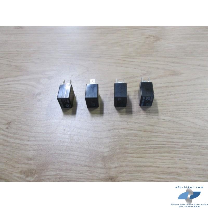 Quatre petits relais à 4 broches de BMW K 1 / k 75 / k 100 / K 1100 / r 80 / r 100